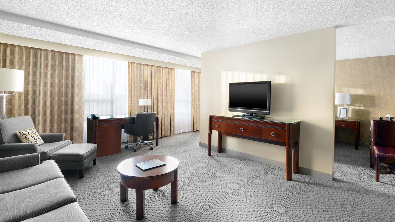 Saskatoon Family Hotels - Suite